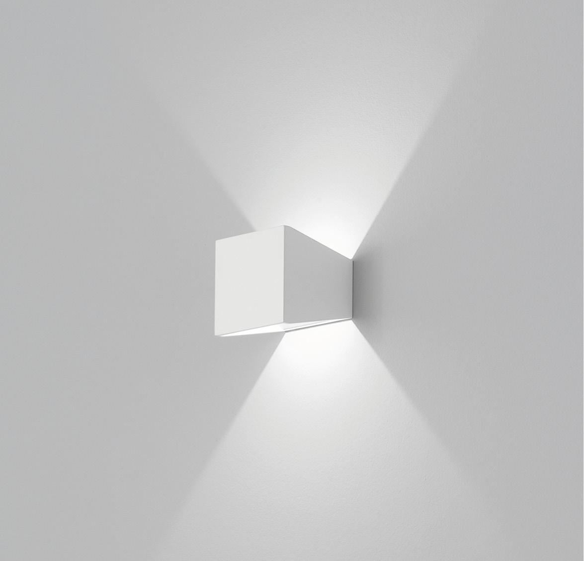 Mia a9 651 lampada da parete di aqlus lampade da parete for Lampade da parete design economiche
