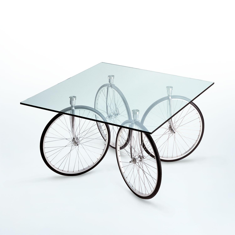 Tour tavolo in vetro con ruote di Fontana Arte | | Pianeta Luce