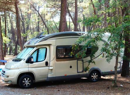 CAMPER STOP INCLUDING 4 PEOPLE AT ? 25 PER NIGHT (excluding public holidays)