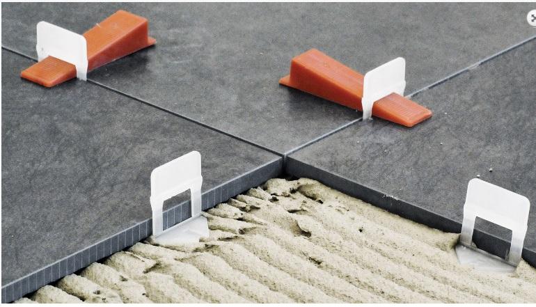 Promo kit per la posa di piastrelle con distanziatori - Distanziatori per piastrelle autolivellanti ...