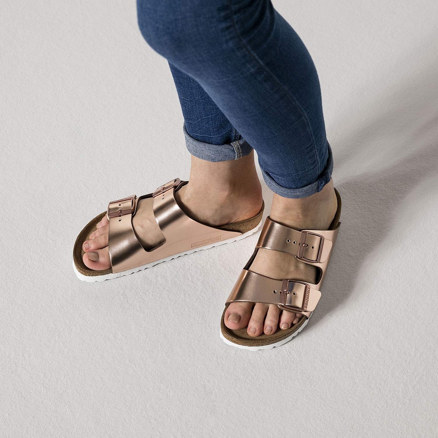 2524ad555a49 BIRKENSTOCK ARIZONA WOMEN S FLIP FLOPS SOFT FOOTBED DOUBLE BUCKLE METALLIC  COPPER