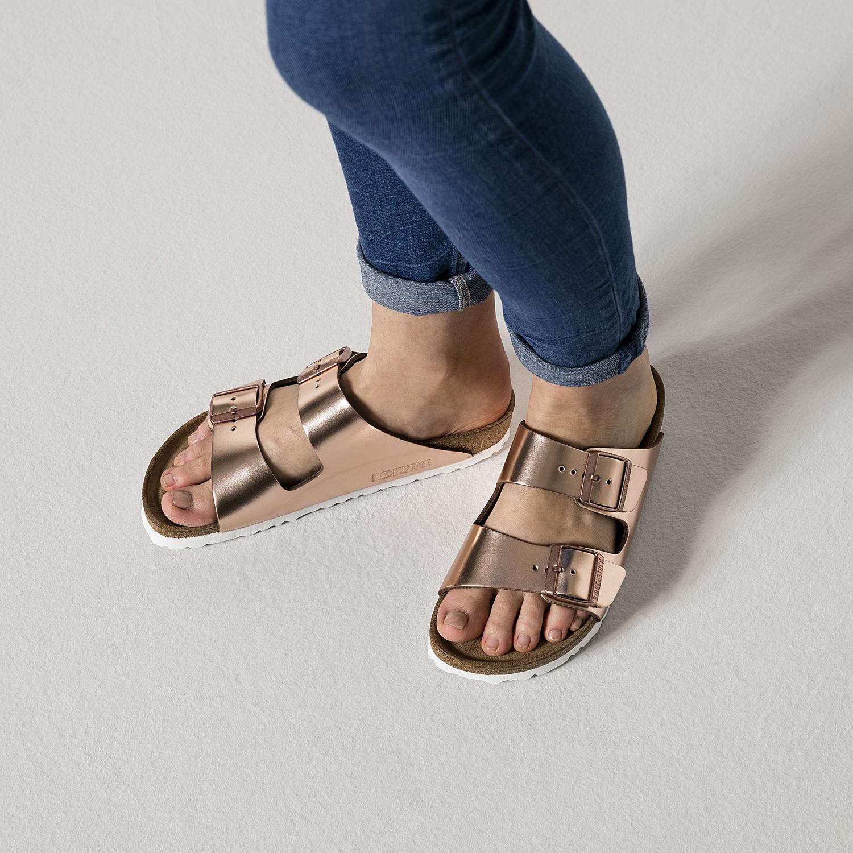 BIRKENSTOCK ARIZONA WOMEN S FLIP FLOPS SOFT FOOTBED DOUBLE BUCKLE METALLIC  COPPER  9ba9be3e0d