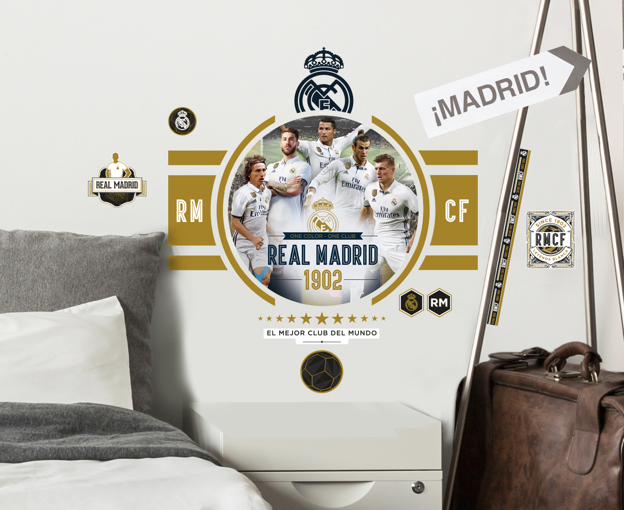 Real madrid graphics wall stickers and decorations by for Decoration chambre real madrid